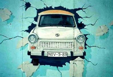 Trabant East Side Gallery Berlin Wall