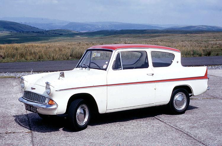 Ford Anglia 123E Super
