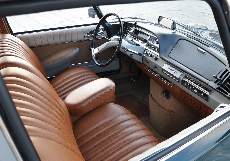 Citroen DS interior