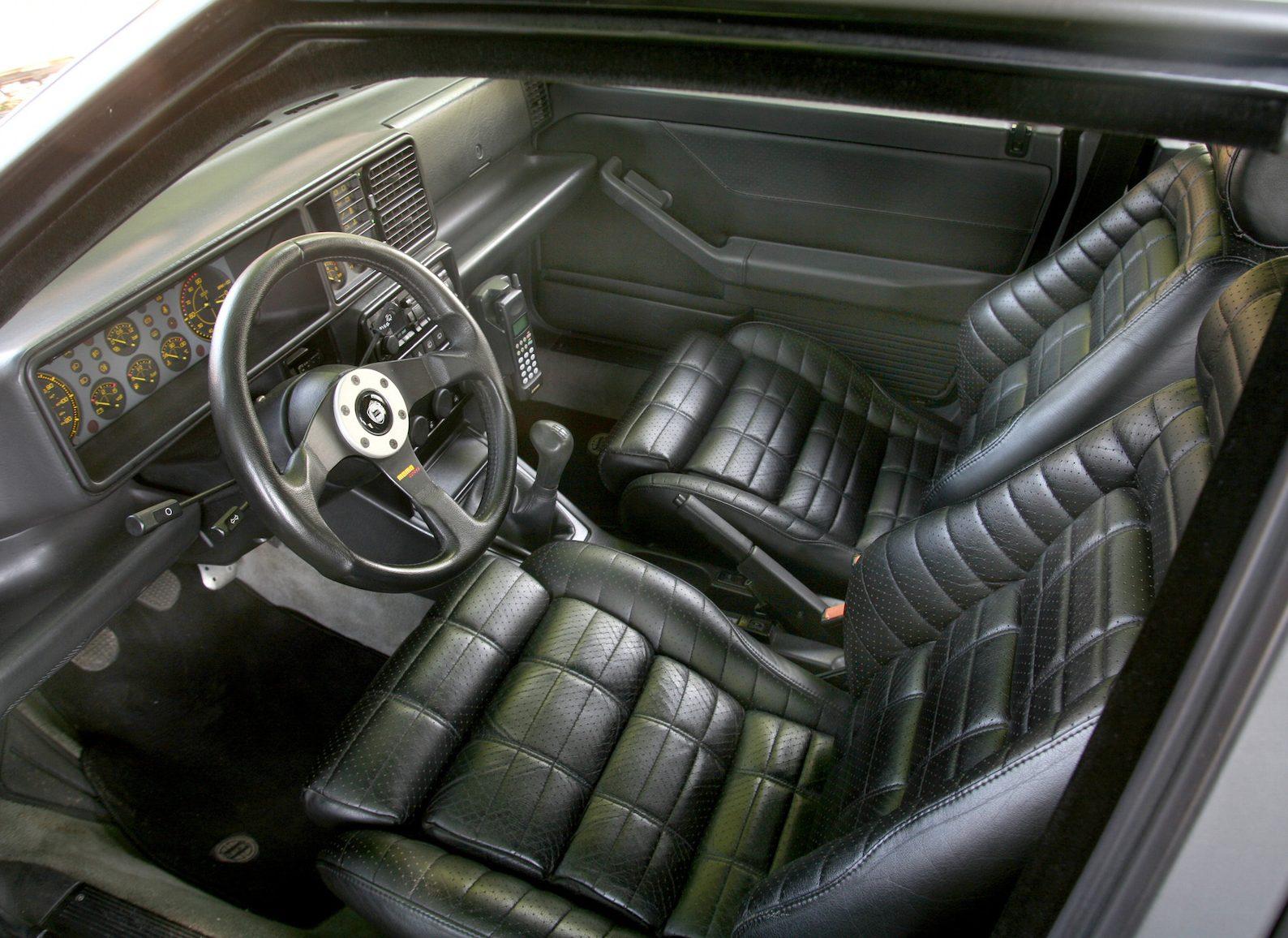 Lancia Delta Integrale Evo interior