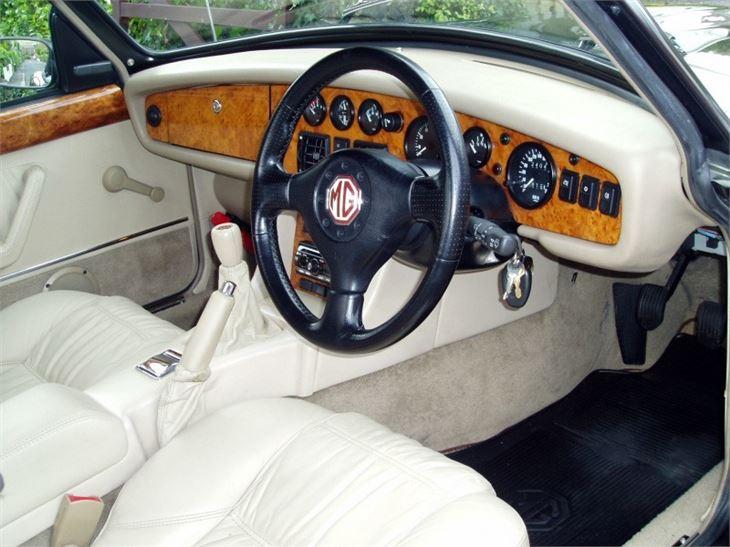 MG RV8 interior