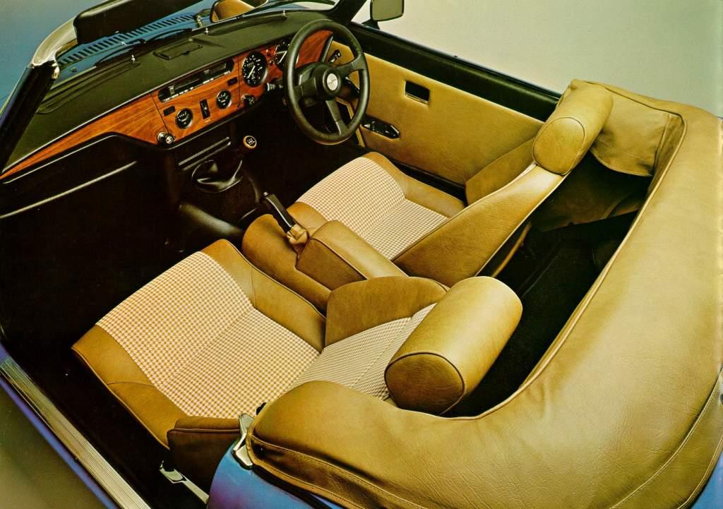 Triumph Spitfire 1500 interior