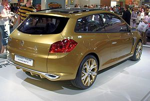 300px Renault Clio Grand Tour Concept Heck Hatchbacks with space for carrying wheelchairs