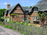 197px-Ampthill_thatched_cottages