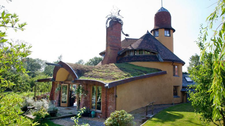 Ten of the most amazing houses for rent on Airbnb UK