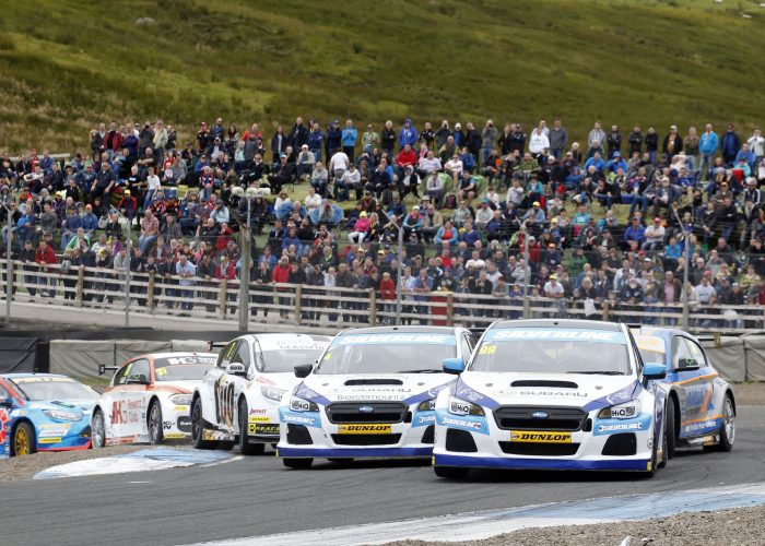 Jason Plato leads at Knockhill BTCC