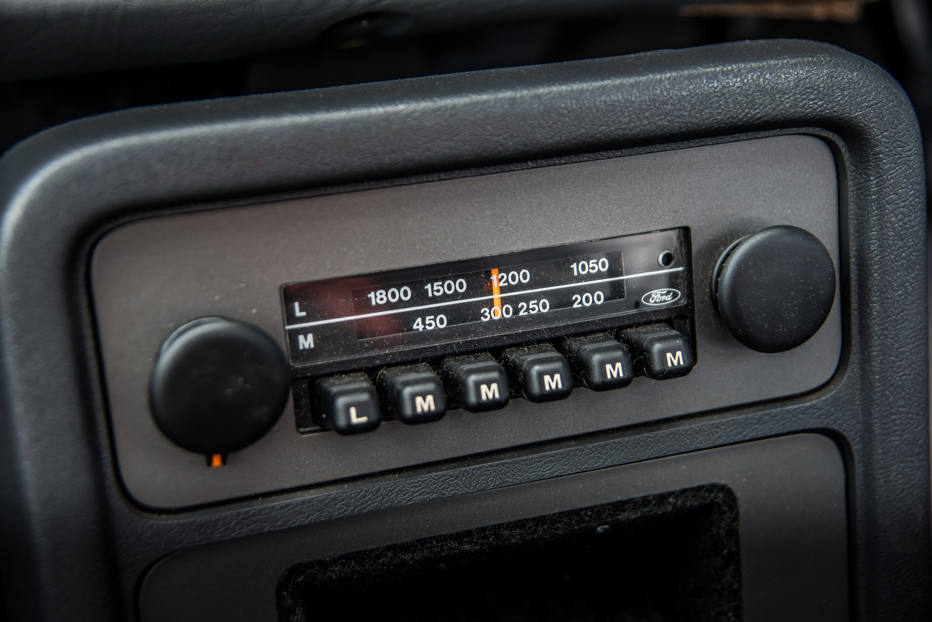 Fiesta XR2 mark 1 radio