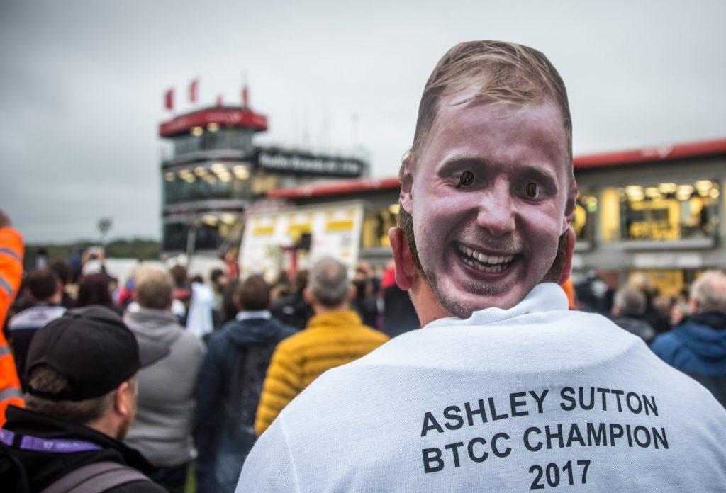 Ash Sutton facemask