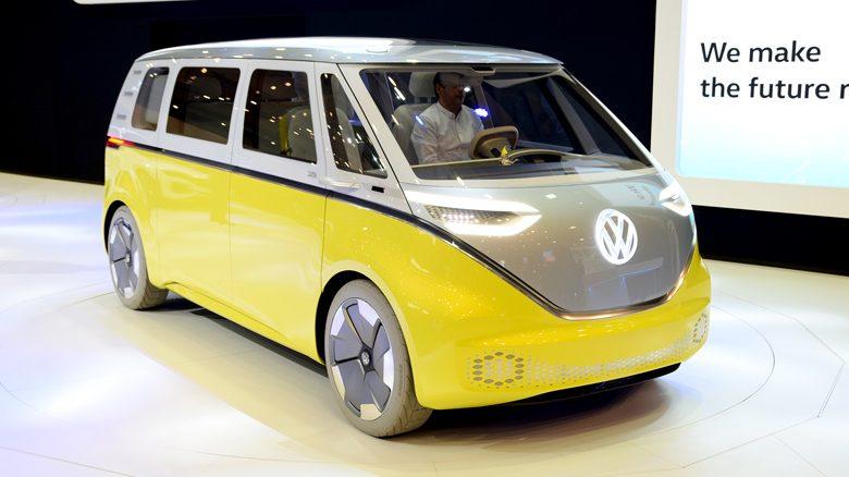 electric minibus steers      emission motoring