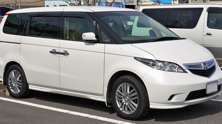 Six of the best Japanese 8-seater cars on the market