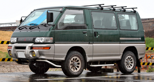Japanese 8-seater cars - Mitsubishi Delicia