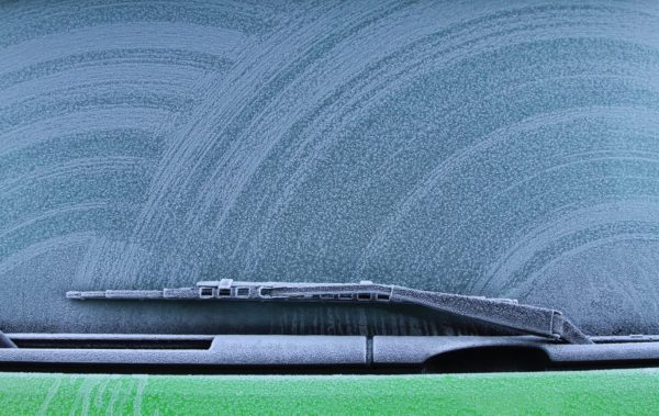 defrosting a frozen windscreen